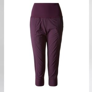 Plum in flux crop lululemon size 12 EUC